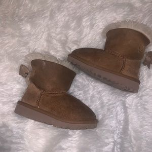 Girls brown chestnut bow bailey ugg boots 8